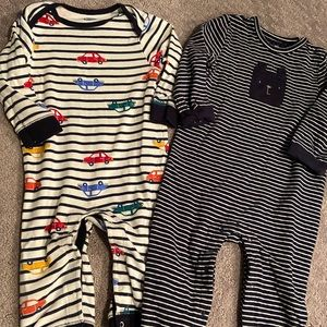 Set of 2 Rompers. GAP and Old Navy. Sz 12-18mths.